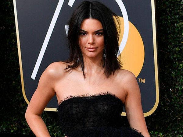 Kendall Jenner Pede Tampil Berjerawat di Golden Globes 2018