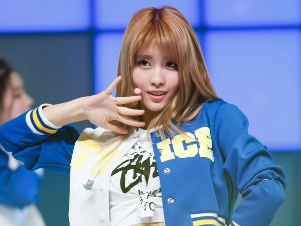 Lihat Cuplikan Video 'Hit The Stage', Netizen Anggap Momo TWICE Gak Bisa Nge-dance?