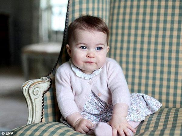 Baru Usia 8 Bulan, Putri Charlotte Jadi Orang Paling Berpengaruh di Inggris!