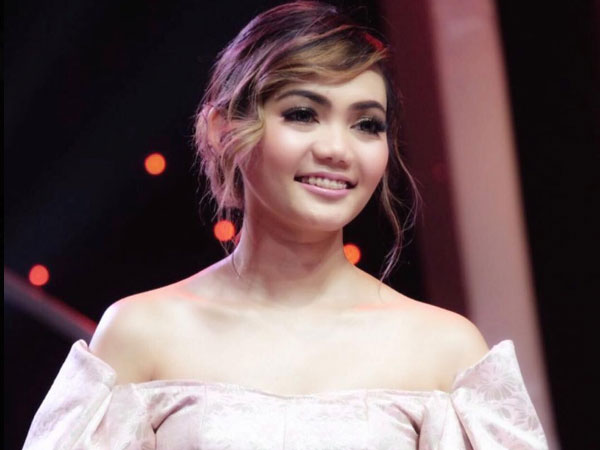 71rina-nose-rabbani.jpg