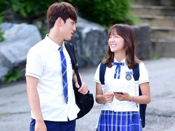 Chemistry Manis Sejeong gugudan dan Kim Jung Hyun di Balik Layar 'School 2017'