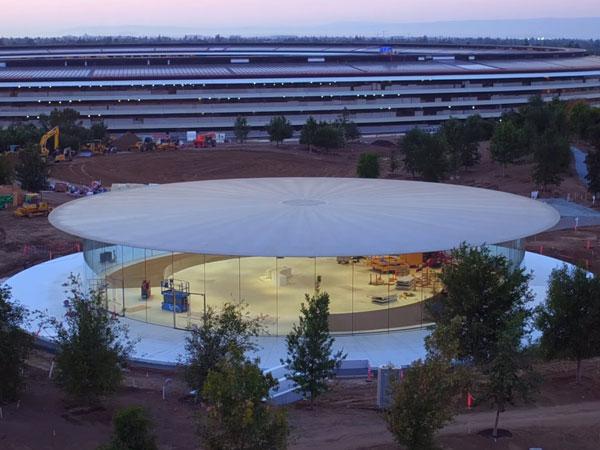 Megahnya Steve Jobs Theater di Markas Baru Apple yang Jadi Tempat Lahir iPhone 8