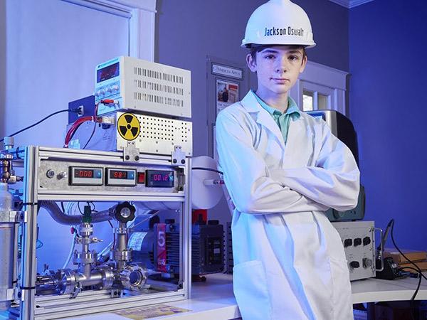 Bocah 12 Tahun Jadi Ilmuwan Termuda Reaktor Nuklir, Masuk Rekor Dunia!