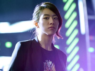 Lee Jung Shin CN Blue Bantah Dirinya Gay