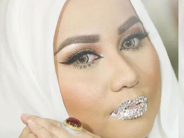Viral Berbagai Meme Foto Bibir Berlian A la Anniesa Hasibuan, Kocak Banget!