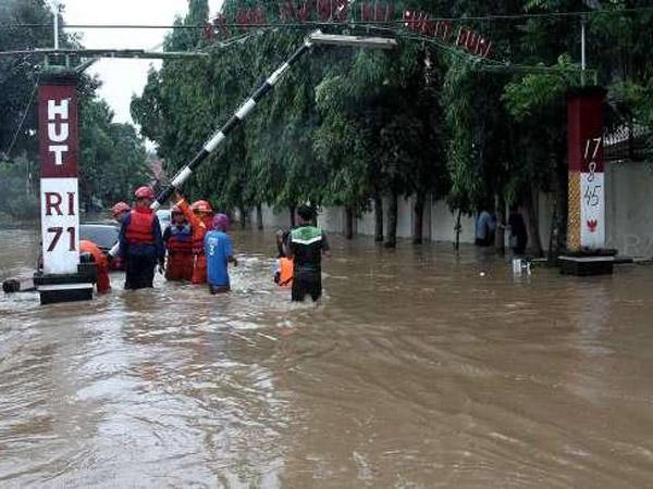Sejumlah Wilayah Jakarta Kembali Dilanda Banjir Hingga 1 Meter, Begini Kata Ahok
