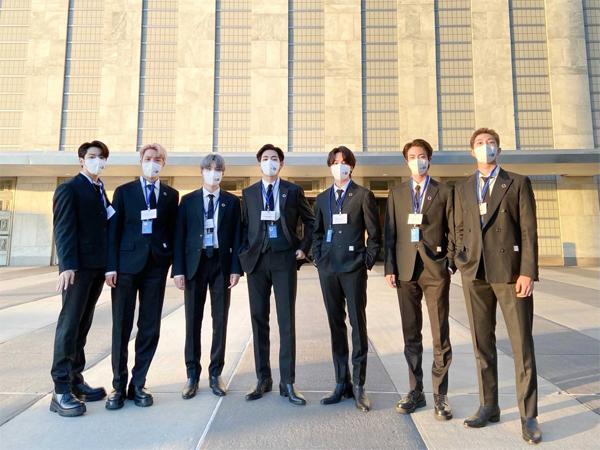 Presiden Moon Jae In Sebut Tak Ada Kandidat yang Lebih Baik dari BTS untuk Wakili Generasi Muda