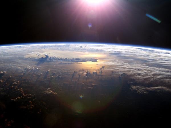 Dua Planet Dekati Bumi, Hujan Meteor, dan Fenomena Langit Lainnya yang akan Terjadi di 2015