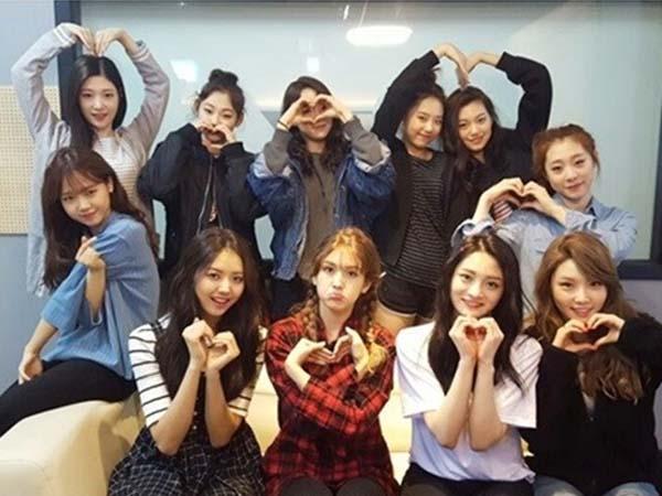 Nge-Fans, Begini Beragam Reaksi Lucu Para Member IOI Saat Lihat EXO Tampil
