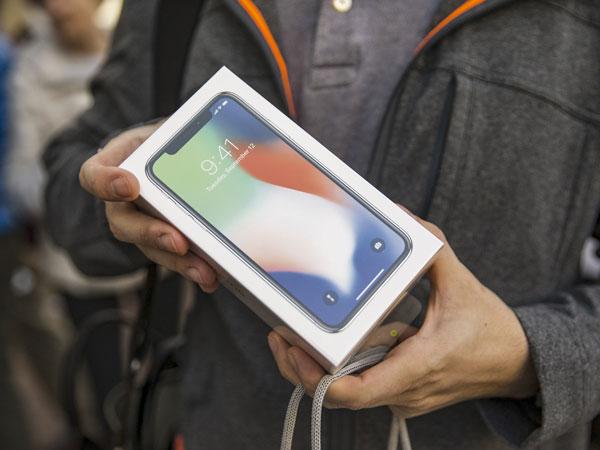 Incar iPhone X, Petugas Bea Cukai Bandara Perketat Pemeriksaan