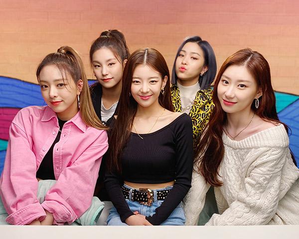 JYP Entertainment Sebut ITZY Siap Comeback Bulan Depan