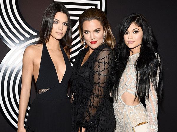 Hindari Paparazzi, Begini Penyamaran Kendall, Kylie dan Khloe Kardashian Saat Jadi Orang Biasa