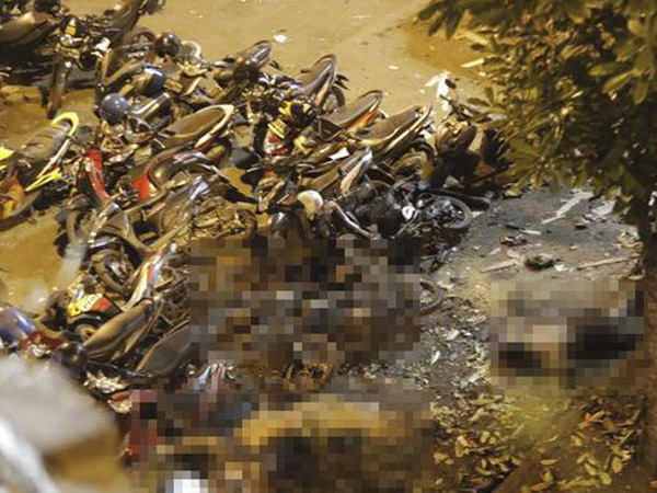 Kondisi Terkini di TKP Ledakan Kampung Melayu: 3 Jenazah Masih Tergeletak