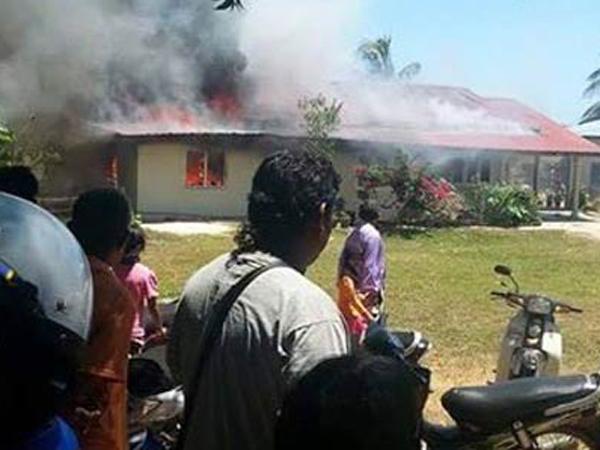 Pesawat TNI AU Tabrakan dan Jatuh Timpa Rumah Warga Di Malaysia