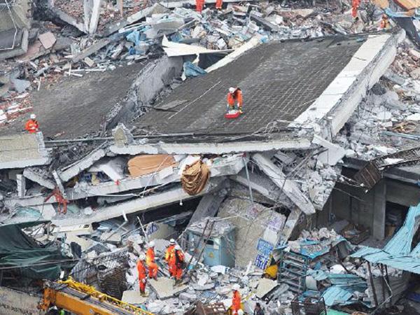 Karena Sampah, 81 Orang Hilang Akibat Longsor di Tiongkok