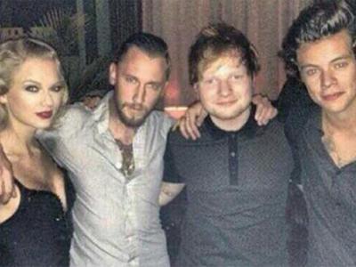 Taylor Swift dan Harry Styles Foto Bareng di MTV VMA