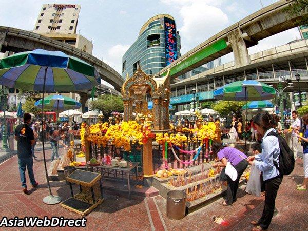 Mengenal Kuil Erawan, Rumah Patung Dewa Brahma yang Jadi Sasaran Bom Bangkok