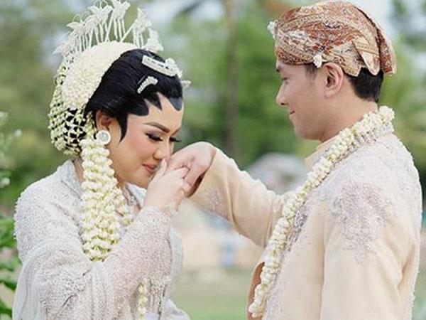Kahiyang Ayu Hingga Anang-Ashanty Ikut Hadiri Resepsi Mewah Pernikahan Vicky Shu