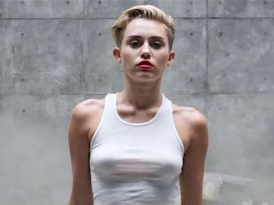 Miley Cyrus Kembali Pecahkan Rekor Lewat Video 'Wrecking Ball'!