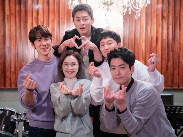 Jo Jung Suk Beberkan Hubungan Geng Hospital Playlist di Luar Syuting