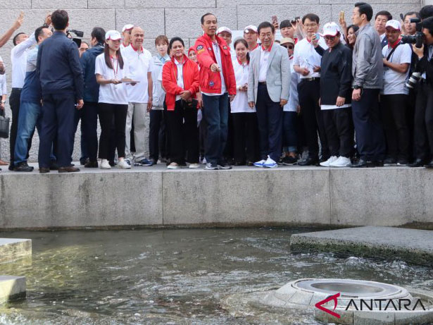 Impian Jokowi Kali Ciliwung Bersih Seperti Sungai Cheonggyecheon di Seoul