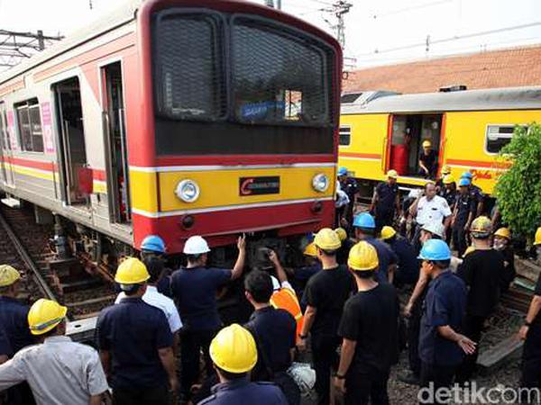 Gerbong Wanita Commuter Line Bekasi Anjlok di Stasiun Manggarai