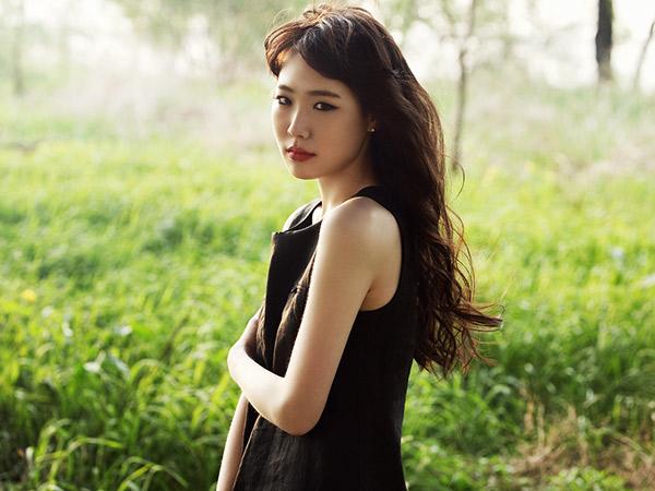 Solois Sekaligus Penulis Lagu Maeng Yuna Meninggal Dunia di Usia 29 Tahun