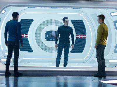 Star Trek Into Darkness Dinobatkan Film Terburuk oleh Fans