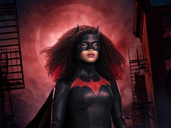 Melihat Detil Kostum Baru untuk Karakter 'Batwoman' Musim Kedua