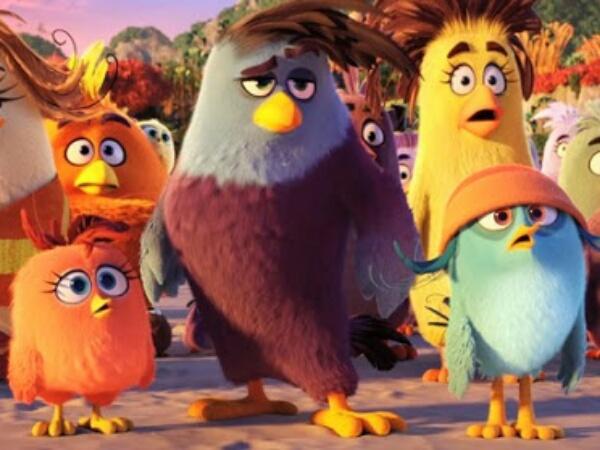 Kocak! 'Burung Ngamuk' Ditimpa Kemalangan Berkali-Kali Di Trailer Perdana 'Angry Birds The Movie'
