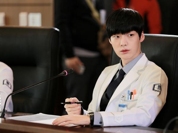 Tak Hanya Goo Hye Sun, Ahn Jae Hyun Juga Terima Kritik dalam Bintangi 'Blood'