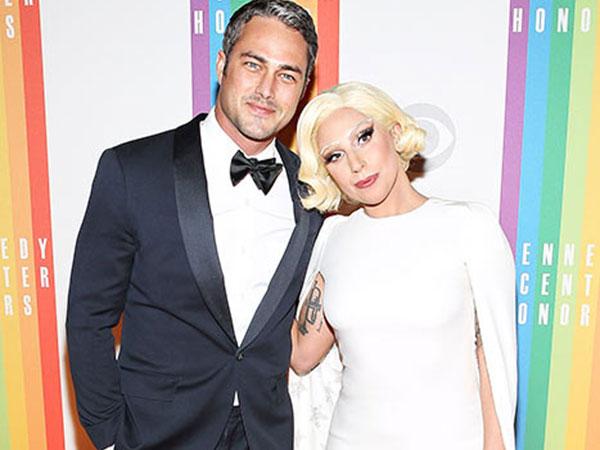 Lady Gaga Dilamar Taylor Kinney di Hari Valentine!