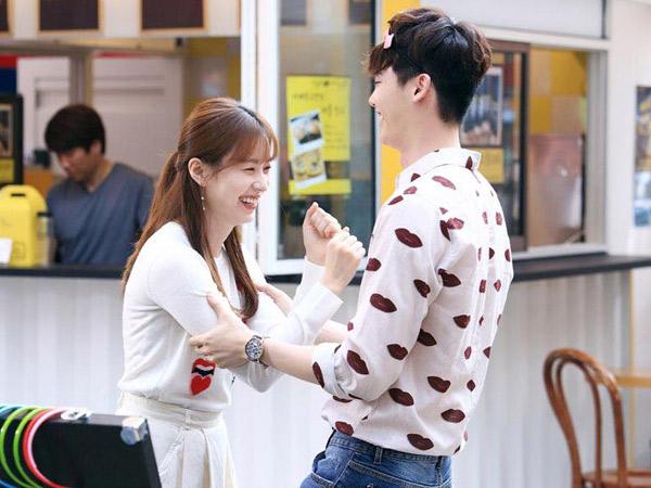 Gemasnya Aksi Han Hyo Joo Goda Lee Jong Suk di Balik Layar Drama 'W'
