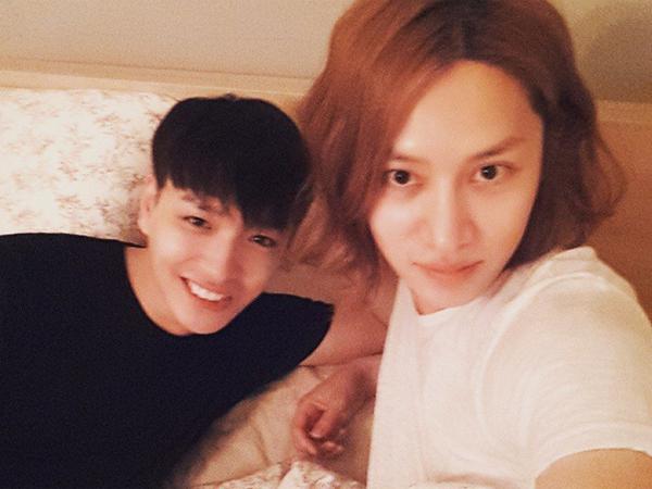 Simon D Kapok Jalan-jalan Bareng Heechul Super Junior!