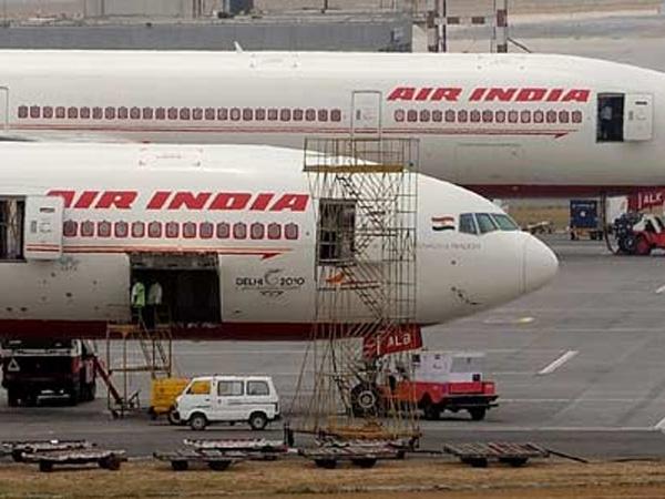 Tak Kunjung Lepas Landas, Pilot dan Co-Pilot Pesawat Ini Ternyata Bertengkar!