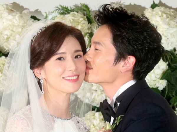 Pasangan Romantis Ji Sung dan Lee Bo Young Rayakan 8 Tahun Pernikahan