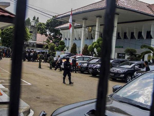 Terdengar Dentuman di Sidang Tertuntut Hukuman Mati Teroris Aman Abdurrahman