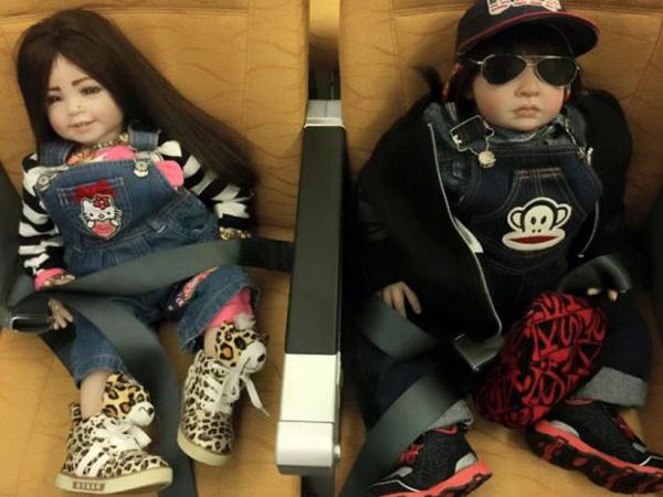 Maskapai Thailand Ini Punya Kursi Khusus Untuk Boneka, Lucu Atau Horor?