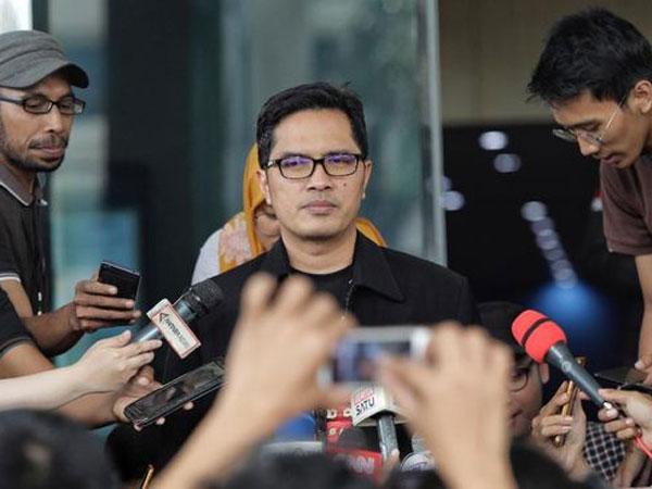 Dari Orang Kepercayaan, Transferan Rp 2 M Di Tangkap Tangan KPK Diduga untuk Anggota Lembaga Ini