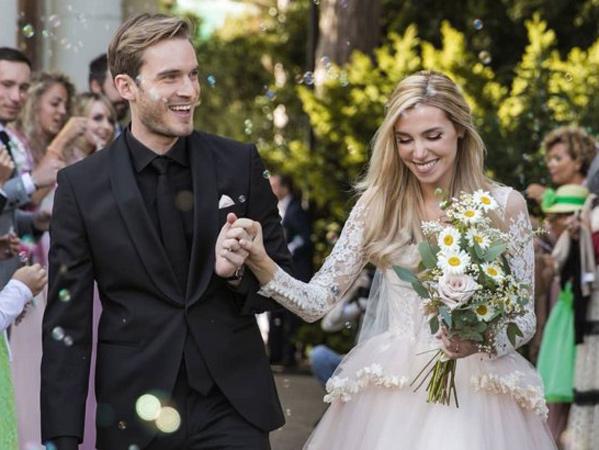 Dari Penggemar Jadi Suami-Istri, Begini Perjalanan Cinta Youtuber PewDiePie dan Marzia Bisognin