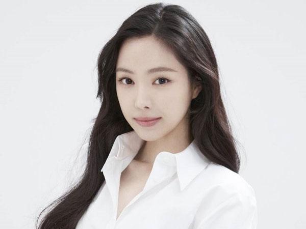 Naeun Apink Resmi Gabung YG Entertainment