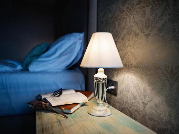 Bahaya Tidur dengan Lampu Menyala Hingga Timbulkan Kanker Payudara
