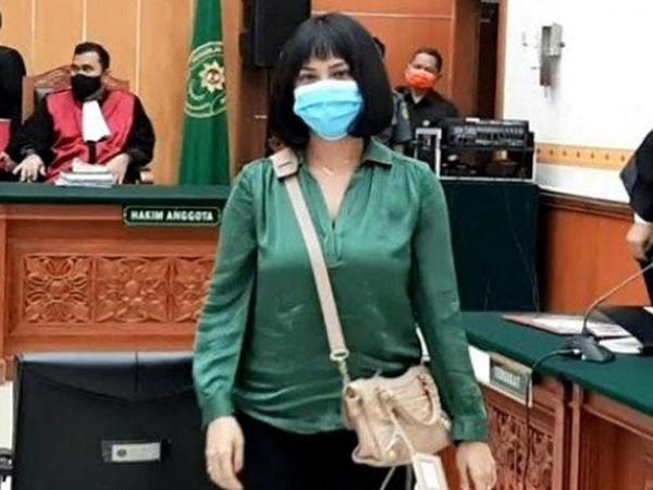 Vanessa Angel Dituntut Penjara 6 Bulan
