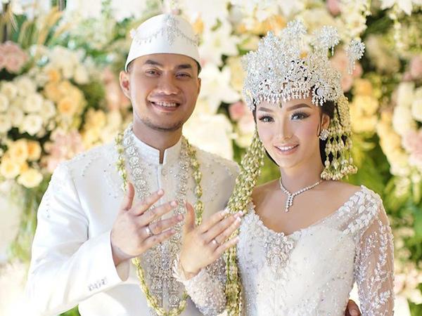 Akhirnya Resmikan Pernikahan Secara Negara, Zaskia Gotik Umumkan Kehamilan