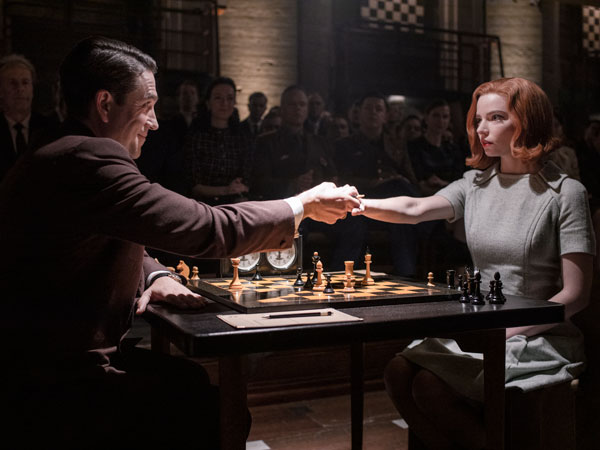 Review 'The Queen's Gambit': Cerdik, Jenius, Sebagus Itu