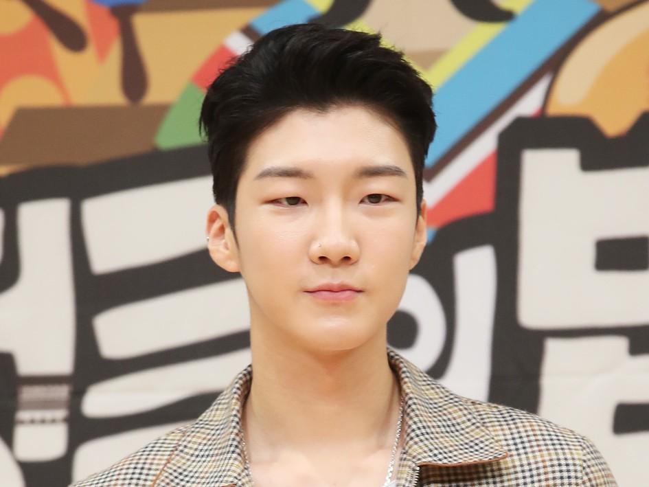 Susul Jinwoo, Seunghoon WINNER Masuk Wamil 16 April