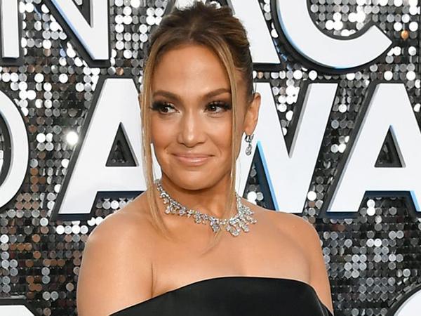 Videonya Viral, Jennifer Lopez Tinggal di Rumah 'Parasite'?