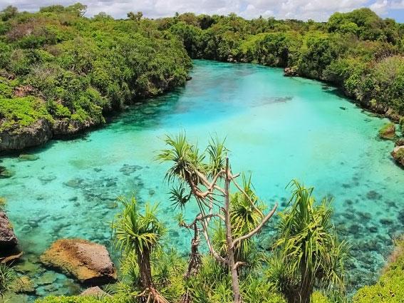 Laguna Weekuri, Kolam Renang dari Alam yang Indah di Sumba