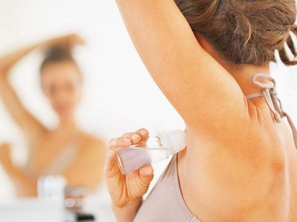 Kesalahan dalam Penggunaan Deodoran yang Mungkin Masih Sering Kamu Lakukan