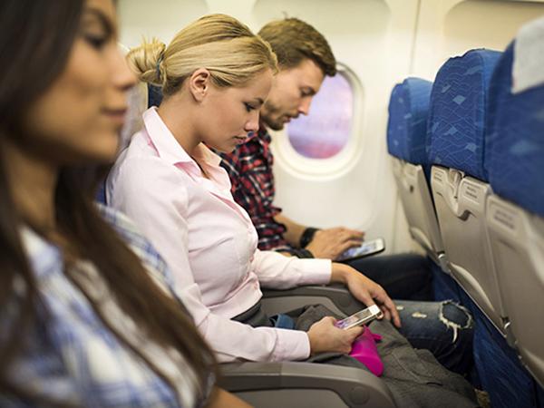 Lakukan Hal Ini Saat di Pesawat Agar Perjalananmu Tetap Nyaman